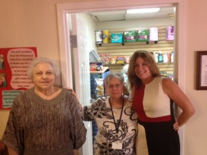 From l to r: Pearl Silverstein, resident at The Preserve; Dorothy Klauber, customer service at Guardian Pharmacy SEFL;  Debi Schulman, director of business development at Guardian Pharmacy SEFL.